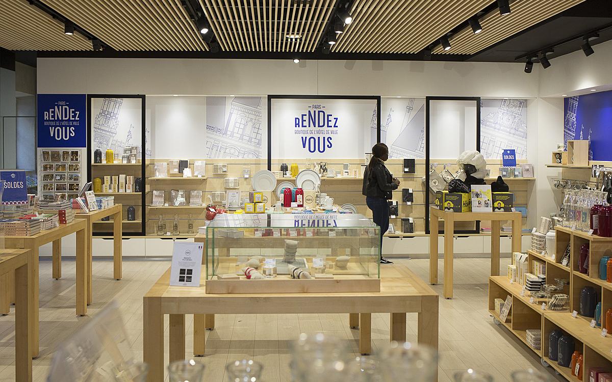 Label Fabriqué à Paris à la Boutique Paris Rendez-Vous