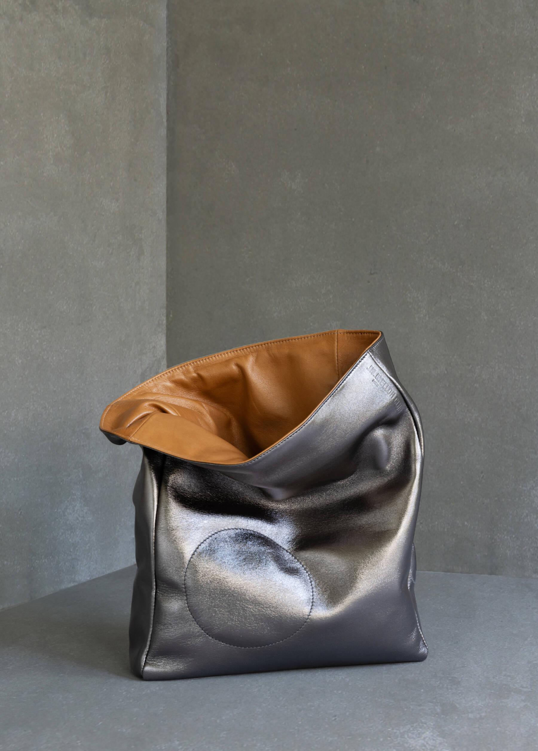JN. Mellor club - Fluffy Bag Plomb © Gilles Jaroslav